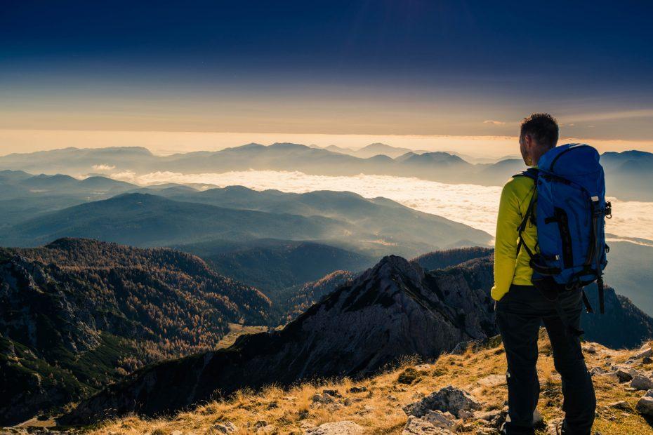 a-magnifiscent-view-from-veliki-draski-vrh-julian-alps_t20_EPN0vJ